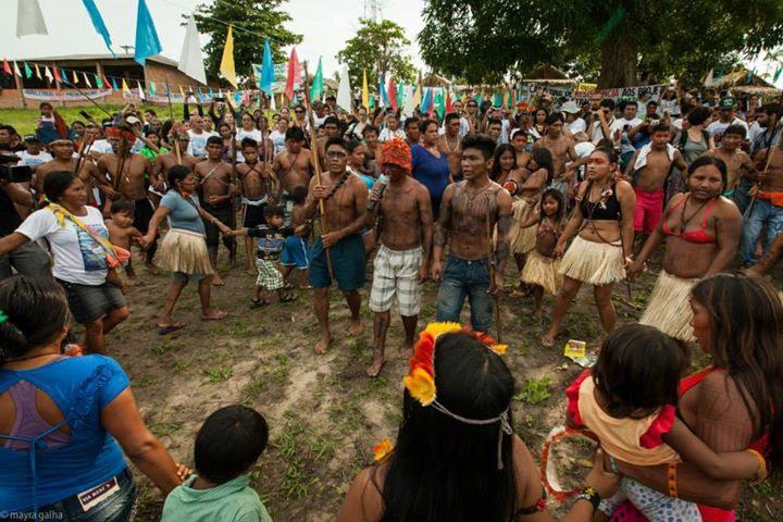 Indigene und katholische Bischöfe in Brasilien auf den Barrikaden
