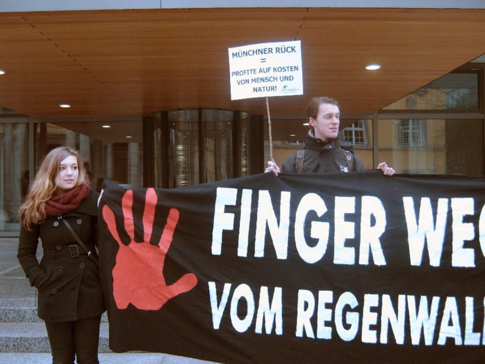 Munich Re: Mangelhaft bei Klimaschutz und Menschenrechten