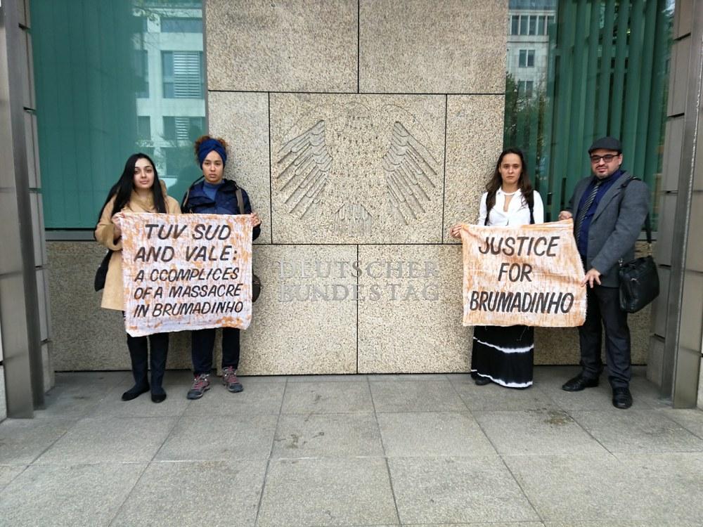 Ein Jahr nach dem Bruch: Von Anzeigen, Klagen und dem Warten auf Gerechtigkeit