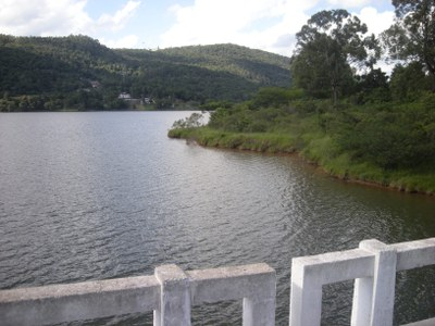 Energieversorgung, Landwirtschaft und Trinkwasser im Paraná-Becken akut gefährdet