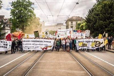 Friedlicher Demonstrationszug in Basel fordert Paradigmenwechsel in der Landwirtschaft