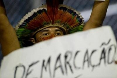 #PEC215NÃO: Kommission befürwortet Verfassungsänderung