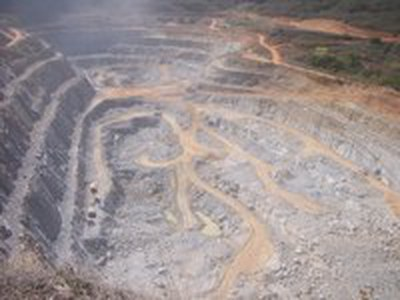 Uranmine verseucht Grundwasser, gesteht staatliche Minenbetreiberin INB erstmals ein