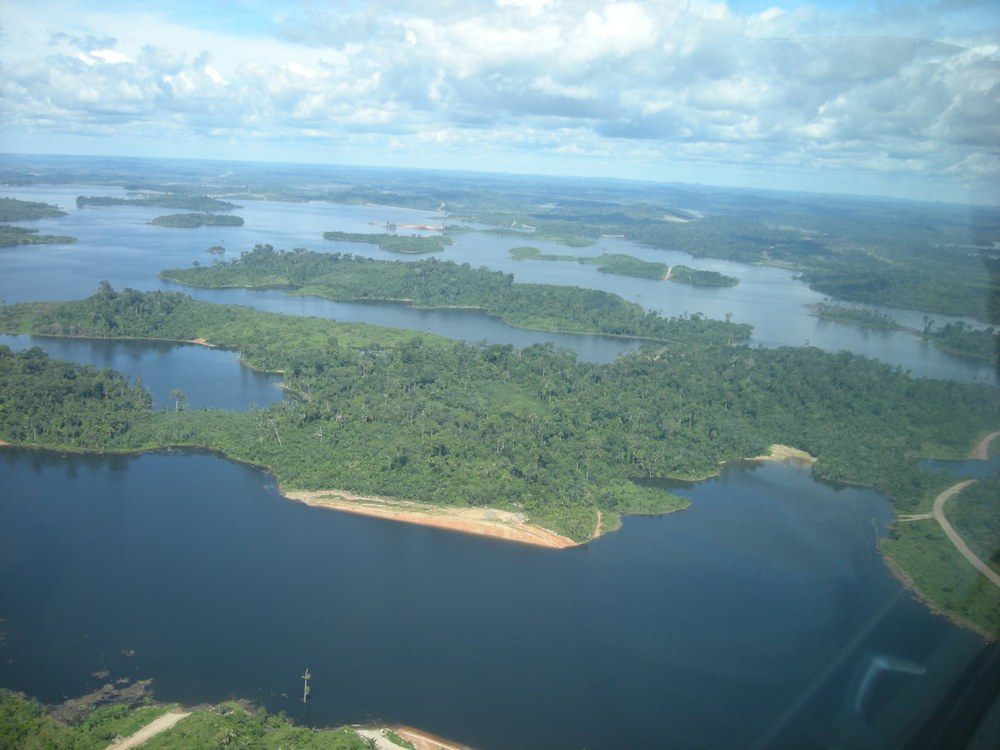 Wegen Staudamm Belo Monte zwangsumgesiedelte Flussanwohner fordern kollektives Territorium
