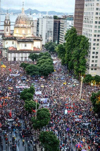 Bolsonaro Regierung legt öffentliche Bildung lahm