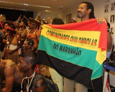 Indigene und Angehörige traditioneller Gemeinschaften besetzten Plenarsaal der Abgeordnetenkammer
