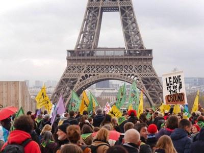 """""""Alle Übel aus der Büchse der Pandora ziehen sich die Kleider der Klimaneutralität an"""""""