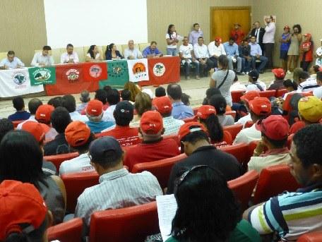 Regierung unterzeichnet Kompromisse mit der Landbevölkerung