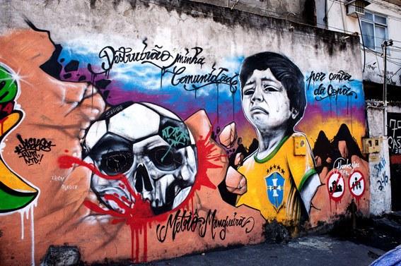 Die Vorbereitungen zur Männer-Fußball-WM führen zu Vertreibungen